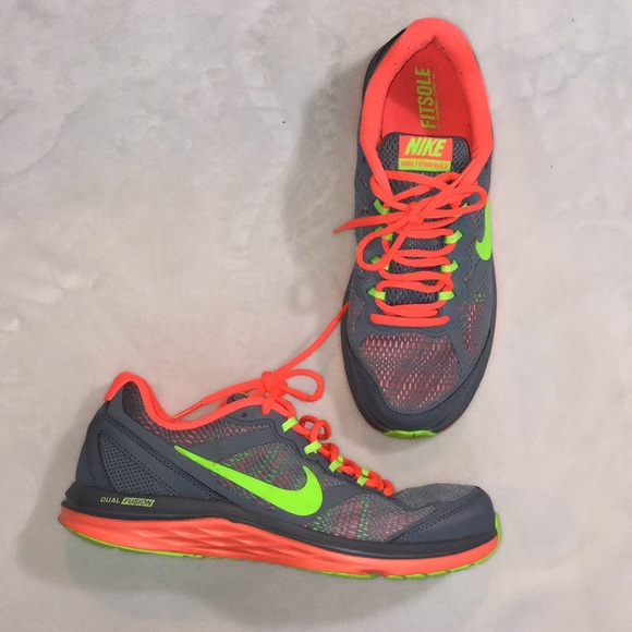 Nike Shoes Dual Fusion Gray And Neon Pink And Green Sz 9 Poshmark